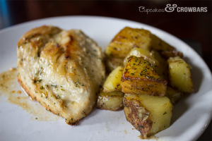 Ranch Chicken & Potatoes |Cupcakes&Crowbars @cupcakescrowbar #DoYourRanch