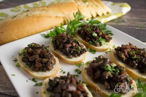 Mouth Watering Roasted Mushroom Appetizer | Cupcakes&Crowbars @cupcakescrowbar